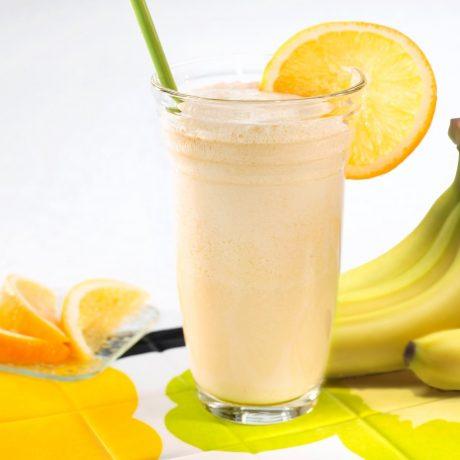 Апельсиново-банановый смузи